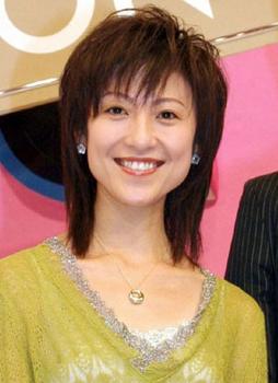 木村郁美の笑顔だけど頬が激やせしている画像.png